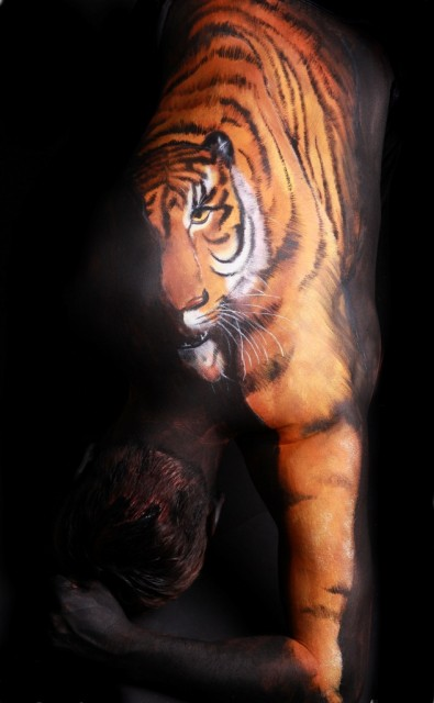 TigerBodyPaintingGesineMarwedel