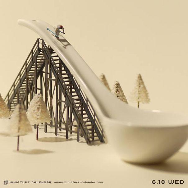 09-japanese-artist-creates-fun-miniature
