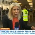 【衝撃動画】 TVインタビュー中、iPhone6 がコンクリートに落下! 耐久性は?