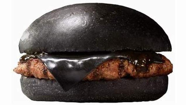 01-black-burger-king-japan