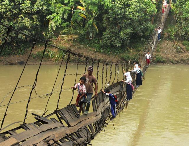 04-dangerous-and-unusual-journeys-to-school