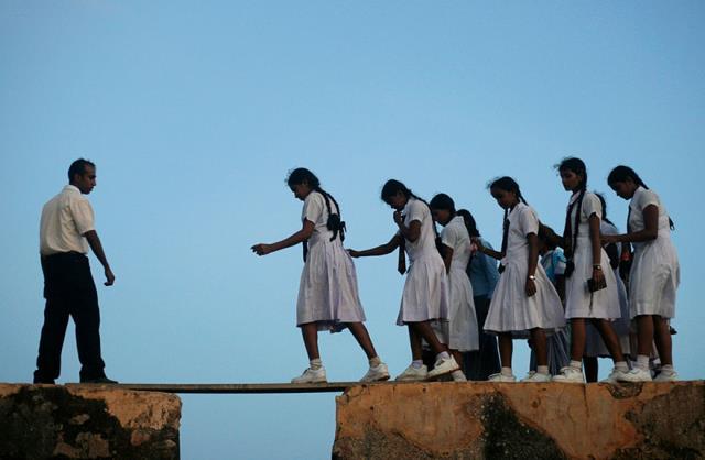 08-dangerous-and-unusual-journeys-to-school