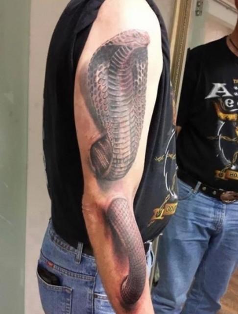11-3d-tattoo-optical-illusion