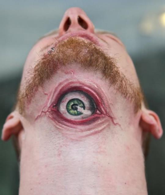 14-3d-tattoo-optical-illusion