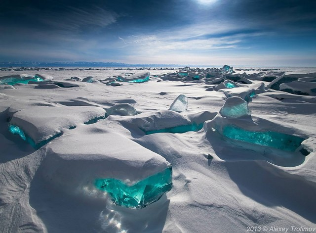 01-breathtaking-frozen-lakes-and-ponds