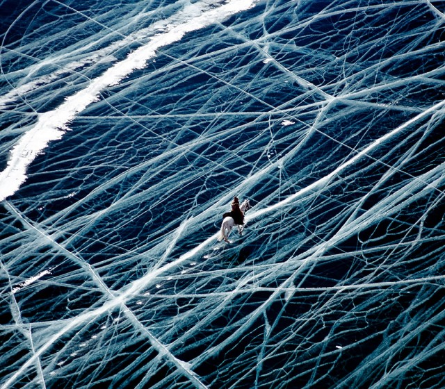 04-breathtaking-frozen-lakes-and-ponds