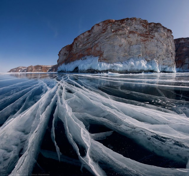 10-breathtaking-frozen-lakes-and-ponds