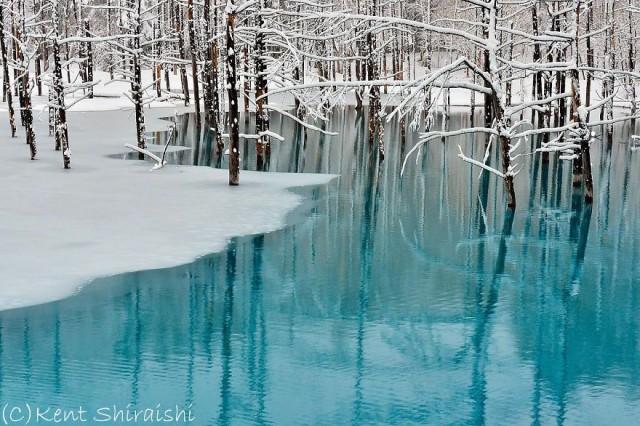09-blue-pond-first-snowhokkaido