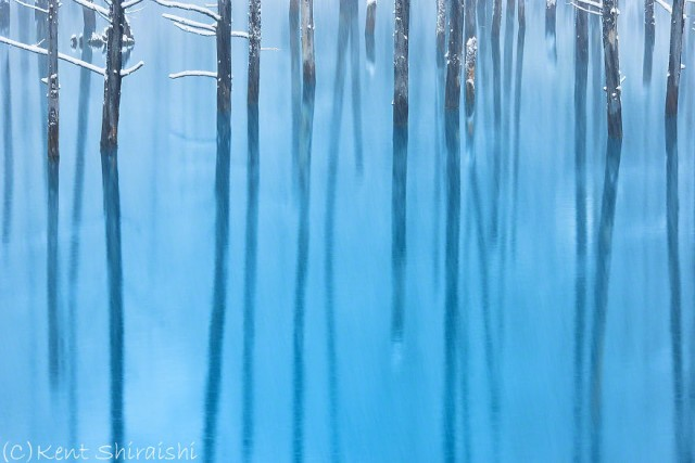 11-blue-pond-first-snowhokkaido