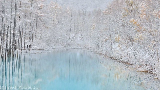 12-blue-pond-first-snowhokkaido