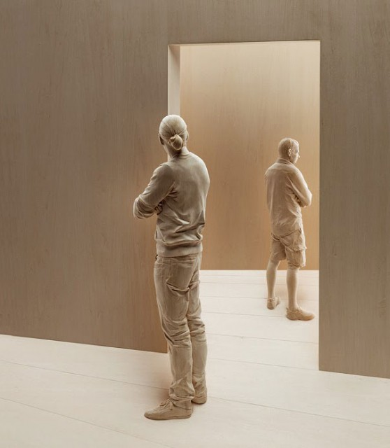 06-wood-sculptures-by-peter-demetz