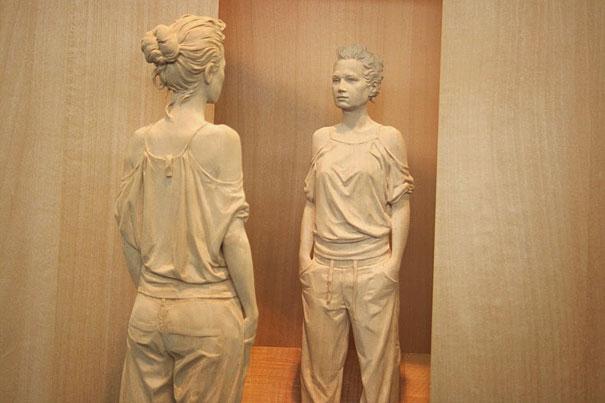 07-wood-sculptures-by-peter-demetz